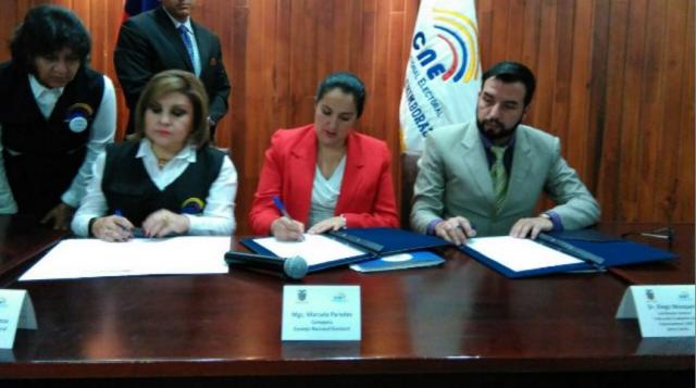 Acuerdo entre la federacion sierra centro y cne