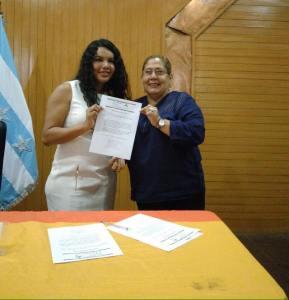 el-acuerdo-por-la-igualdad-ecuador-lgbti-por-un-voto-inclusivo-lgbti-diane-rodriguez-junto-a-beatriz-vicuna-de-alianza-pais