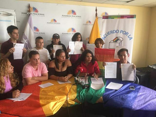 LGBTI Convocan al NO en 2 3 y 6 preguntas de la COnsulta Popular y solicitan a lenin moreno cumplir con los acuerdos (1)