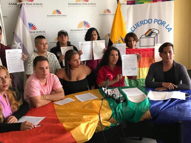 LGBTI Convocan al NO en 2 3 y 6 preguntas de la COnsulta Popular y solicitan a lenin moreno cumplir con los acuerdos (11)