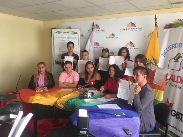 LGBTI Convocan al NO en 2 3 y 6 preguntas de la COnsulta Popular y solicitan a lenin moreno cumplir con los acuerdos (5)