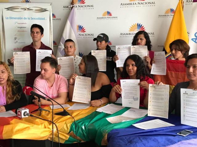 LGBTI Convocan al NO en 2 3 y 6 preguntas de la COnsulta Popular y solicitan a lenin moreno cumplir con los acuerdos (6)