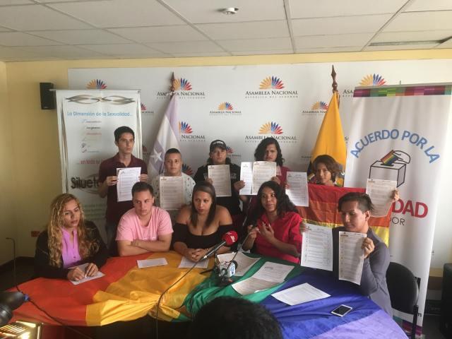 LGBTI Convocan al NO en 2 3 y 6 preguntas de la COnsulta Popular y solicitan a lenin moreno cumplir con los acuerdos (9)