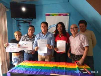 Centro democrático a traves de jorge velez firma acuerdo por la igualdad lgbt con jimmy jairala (5)