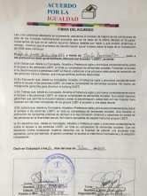 Centro democrático a traves de jorge velez firma acuerdo por la igualdad lgbt con jimmy jairala (6)