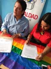 Centro democrático a traves de jorge velez firma acuerdo por la igualdad lgbt con jimmy jairala (9)