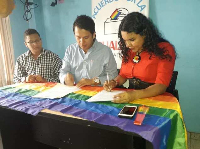 Centro Democrático y Jimm jairala firmaron el acuerdo por la igualdad lgbt (2)