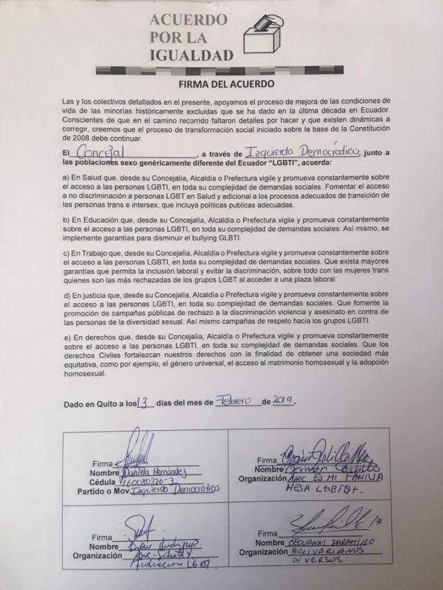 Consejales de Izquierda Democrática y Vive firman acuerdo por la igualdad LGBTI Quito (2)