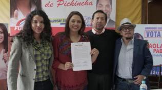 Firma Acuerdo Por la Igualdad Paola Pabon prefecta y Diane Rodriguez Federacion ecuatoriana de organizaciones LGBT