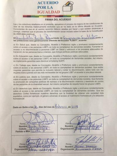 Firma Acuerdo Por la Igualdad Paola Pabon prefecta y Federacion ecuatoriana de organizaciones LGBT (11)