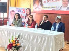 Firma Acuerdo Por la Igualdad Paola Pabon prefecta y Federacion ecuatoriana de organizaciones LGBT (5)