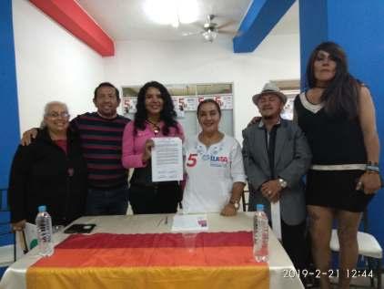 firma del acuerdo por la igualdad entre Diane Rodriguez y Luisa Maldonado candidata a la alcaldia de quito (14)