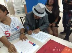 firma del acuerdo por la igualdad entre Diane Rodriguez y Luisa Maldonado candidata a la alcaldia de quito
